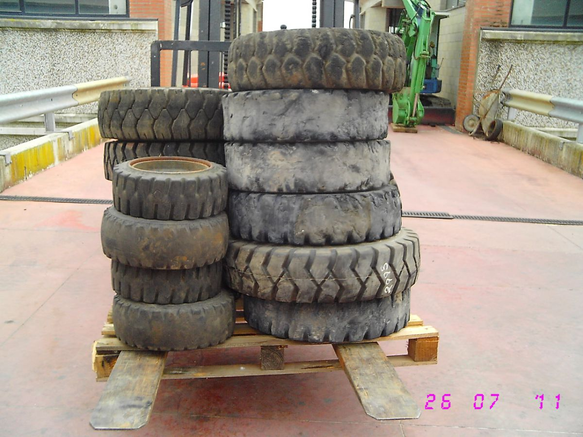 210A RUOTE GOMME PNEUMATICI VARIO TIPO